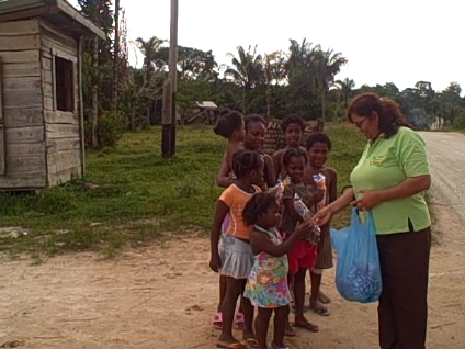 dec-15-2009-mrs-punalall-at-bartica-with-children